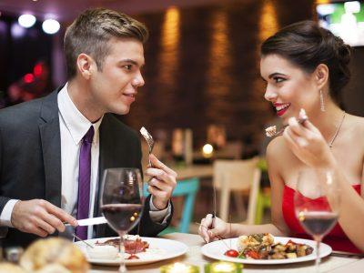 Најчестите лаги што ги кажуваат мажите на првиот состанок