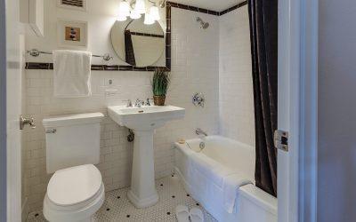 Од бањата се шири непријатен мирис? Решете го проблемот со само две состојки