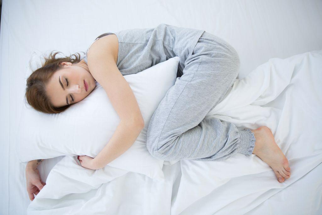 Постои причина зошто сте дополнително уморни за време на менструацијата