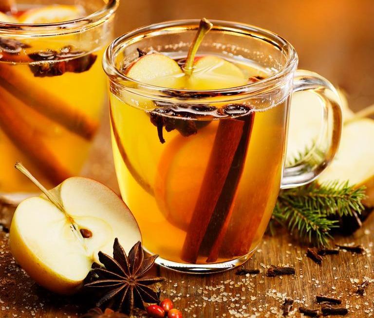 Топол јаболков сајдер - совршен пијалак за зимските вечери