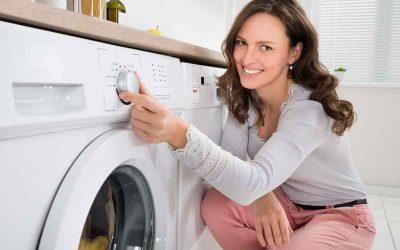Домаќински трик со кој ќе исчезнат сите дамки од вашата бела облека