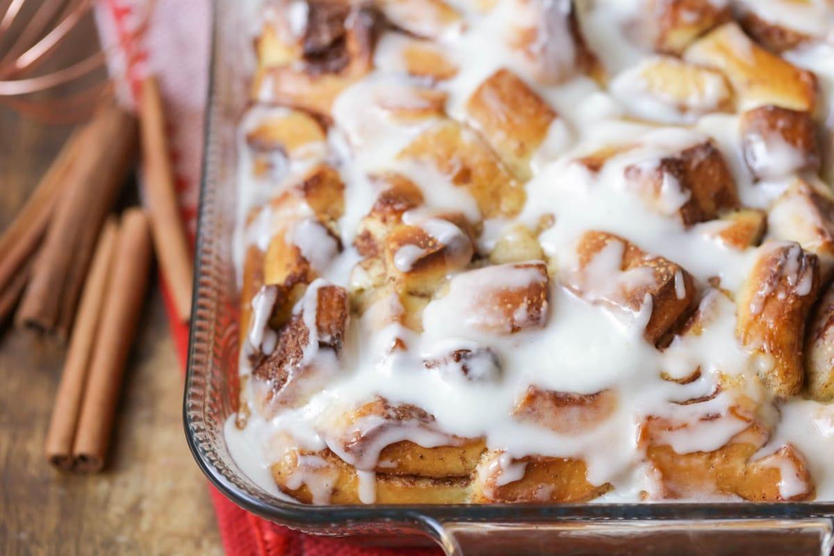 Касерола со цимет и стар леб – совршен појадок кој може однапред да го подготвите