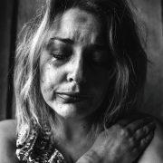 Колку лошиот избор на зборови може да ги повреди жените повеќе отколку што изгледа?