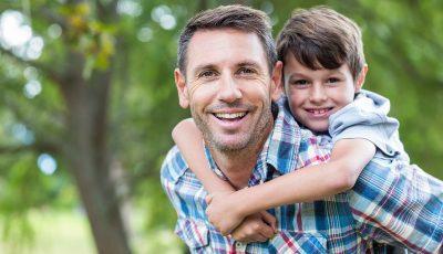 Одлики на вистинскиот татко: Прави сè за семејството и за децата и секогаш ги става на прво место