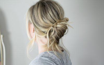 Банана-пунџа: Најубавата и најлесната фризура кога немате време да ја стилизирате косата