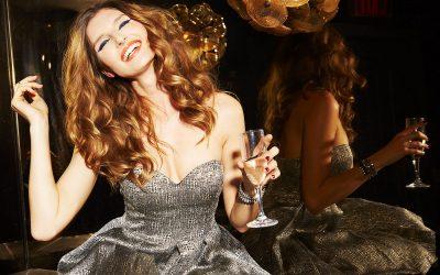 Овие 3 навики за време на празничните прослави ја уништуваат кожата на лицето