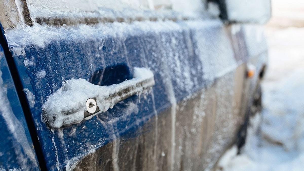 Како да не ви замрзне автомобилот во текот на ноќта: Одлични трикови од искусни возачи