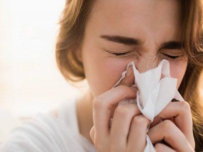 """Лекарите советуваат: Ако ви е затнат носот, во никој случај немојте да го """"дувате""""!"""