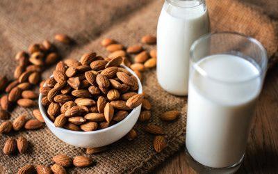 Мрачната тајна за бадемовото млеко: Добро размислете пред да го пиете