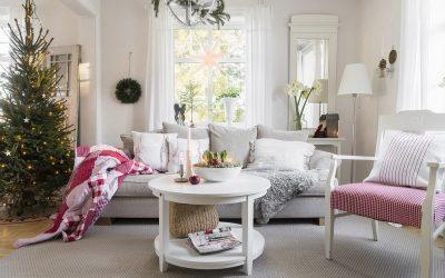 Полна белина и шарм: Мала куќичка како од најубавата зимска бајка