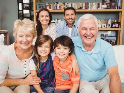 Тајната на долговечноста e во дружењето! Откриваме што ги радува луѓето во зрели години!