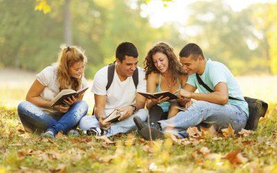 Зошто нашите најдобри пријатели се најчесто оние кои ги среќаваме додека студираме?