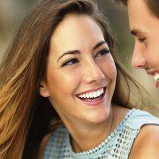 5 хороскопски знаци што го сметаат флертувањето за неверство