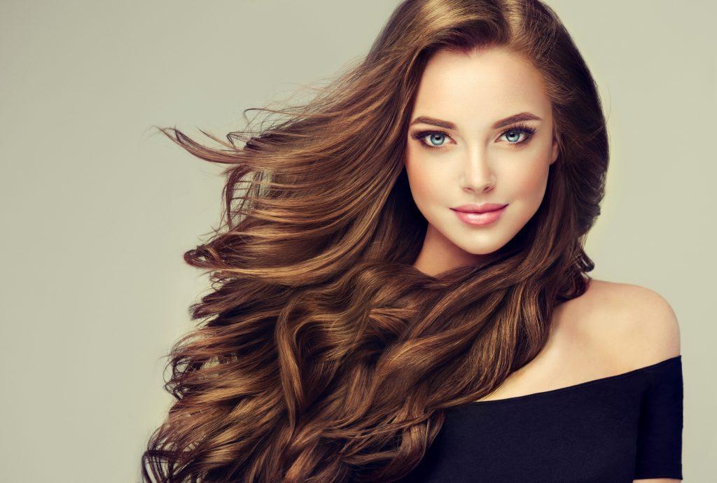 Како да преспиете со фризура без да ја растурите?