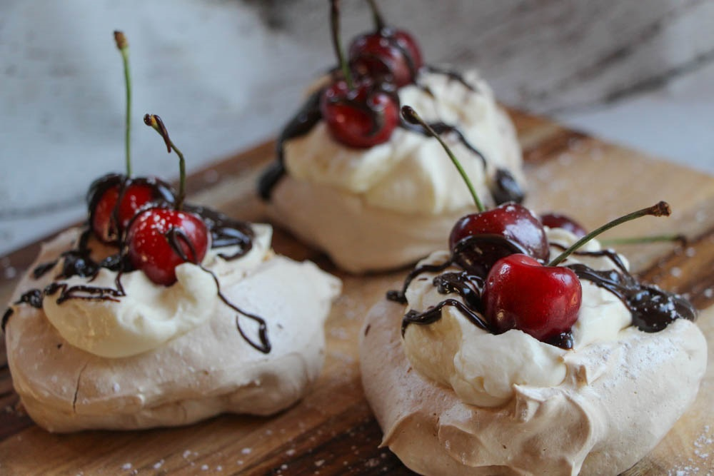 Идеални колачиња за Денот на вљубените: Бакнежи од вишни