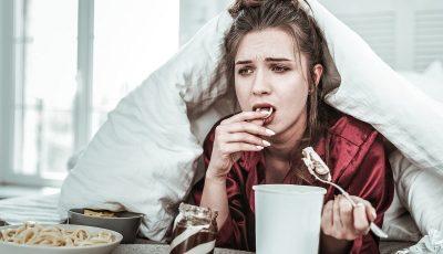 Никој не е толку гладен за својата телесна тежина да ја зголеми за 20 или 30 килограми: Се дебелееме поради зборовите кои ги премолчуваме