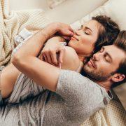 Романтичен цитат кој може да му го испратите на вашиот партнер врз основа на неговиот хороскопски знак