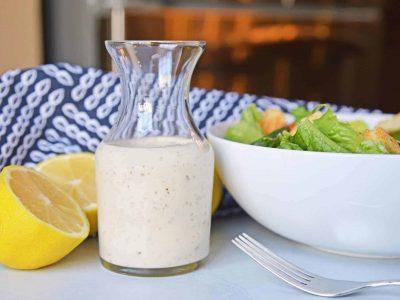 Сенаменски прелив од јогурт: Потребни ви се само 3 состојки, а готов е за 2 минути