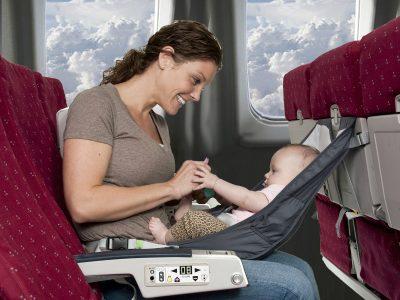 Вашето прво патување за бебето: Кое превозно средство да го изберете?
