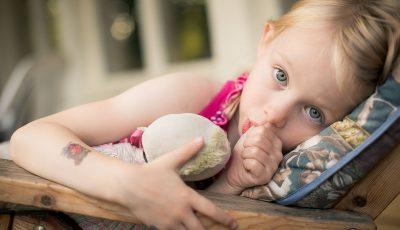 Загрижени сте затоа што вашето дете го цица палецот? Не грижете се, тоа има и една добра страна