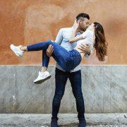 4 хороскопски знаци што ќе се вљубат за време на ретроградниот Меркур
