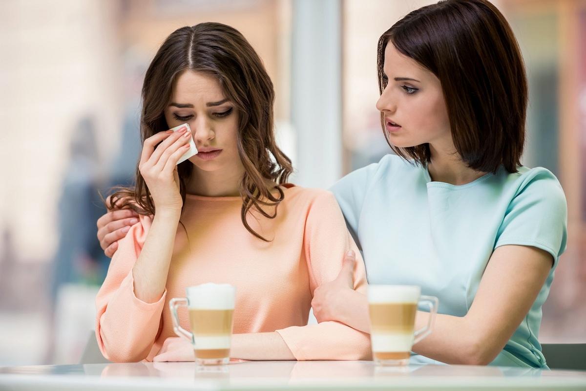 9 начини како да им помогнете на вашите пријатели да ја надминат кризата низ којашто минуваат