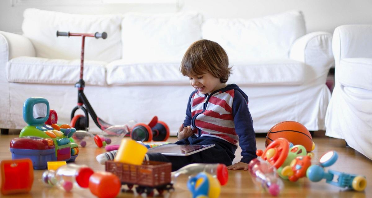 Играчки или патувања: Што е подобро за развој на детскиот мозок?