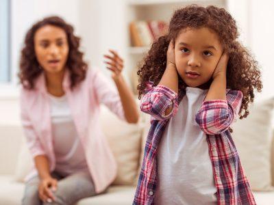 Наместо да им викате на вашите деца, направете ги овие 4 работи