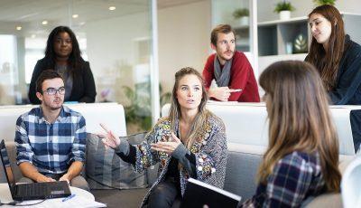 Зад овие фрази што ви ги кажуваат колегите на работа се крие пасивна агресија