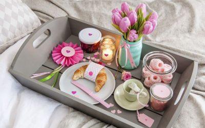 Направете сами: Како од обична тегла да направите декоративна вазна за цвеќе!