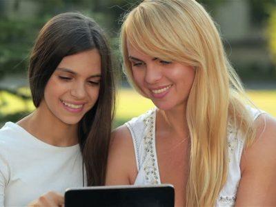 Психолозите тврдат: Постои сè поголема опседнатост на девојчињата со физичкиот изглед