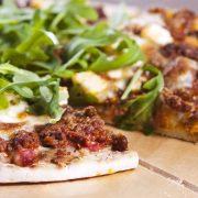 Совршен предлог за денешниот ручек: Пица од месо
