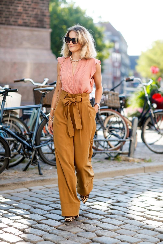 Нема да можете да им одолеете: Во овие панталони секоја жена изгледа прекрасно