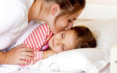 12 начини како да го разбудите вашето дете ако не сака да стане