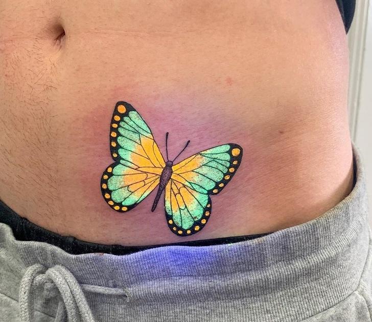 Уметник од Австралија прави тетоважи што светат под УВ-светлина и изгледаат магично