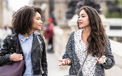 6 работи што никогаш не треба да им ги кажувате на пријателките што не се во врска