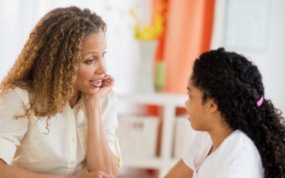 7 важни љубовни лекции што родителите треба да им ги кажат на своите ќерки