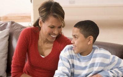 Како правилно да разговарате со машките деца за сексот?