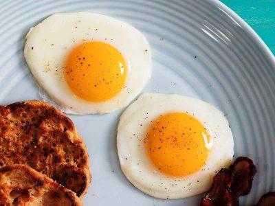 Најдобрите трикови за пржени јајца: Претворете го едноставниот оброк во вкусен специјалитет