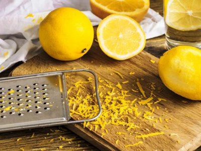 Не фрлајте ја кората од лимонот: Искористете ја во овие јадења за да добиете вкусен оброк