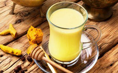 Спас во текот на менопаузата: 3 природни пијалаци што ја регулираат работата на хормоните