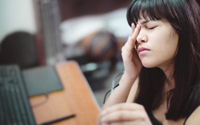 Како да ја спречите навиката да го допрете лицето?
