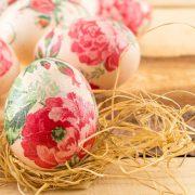 Прекрасни велигденски јајца: 5 техники за природно фарбање кои секому успеваат