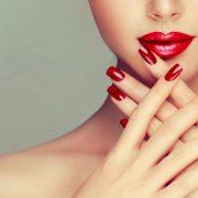 5 прекрасни маникири што можете да ги направите сами дома