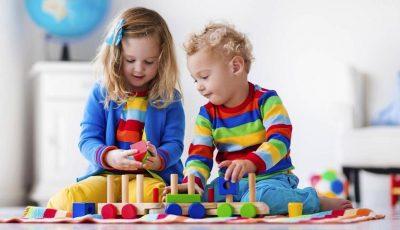 Дали на децата им станаа здодевни сите играчки? Искористете ги овие предмети што ги имате дома за да им биде позабавно