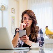 Пет работи што ги нервираат жените