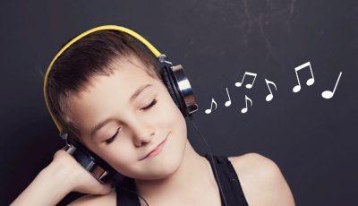10 песни кои треба да ги слушнете во месецот за свесноста на менталното здравје