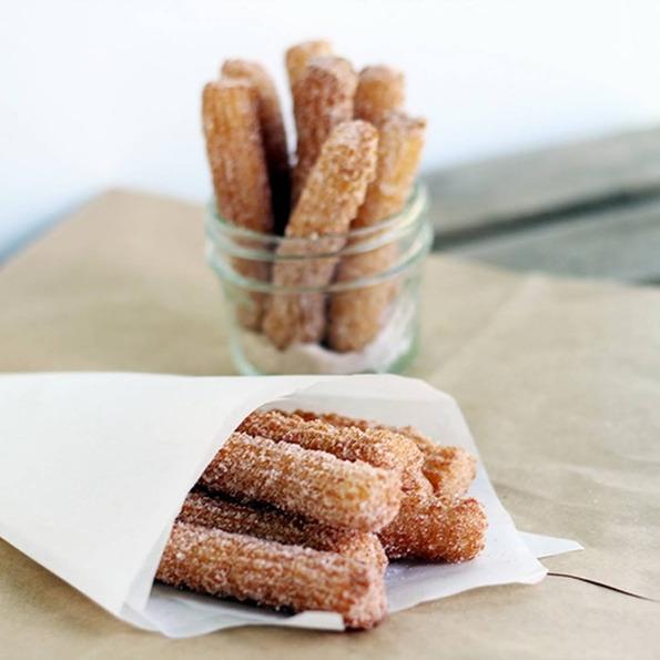 Чурос: Вкусни шпански крофни
