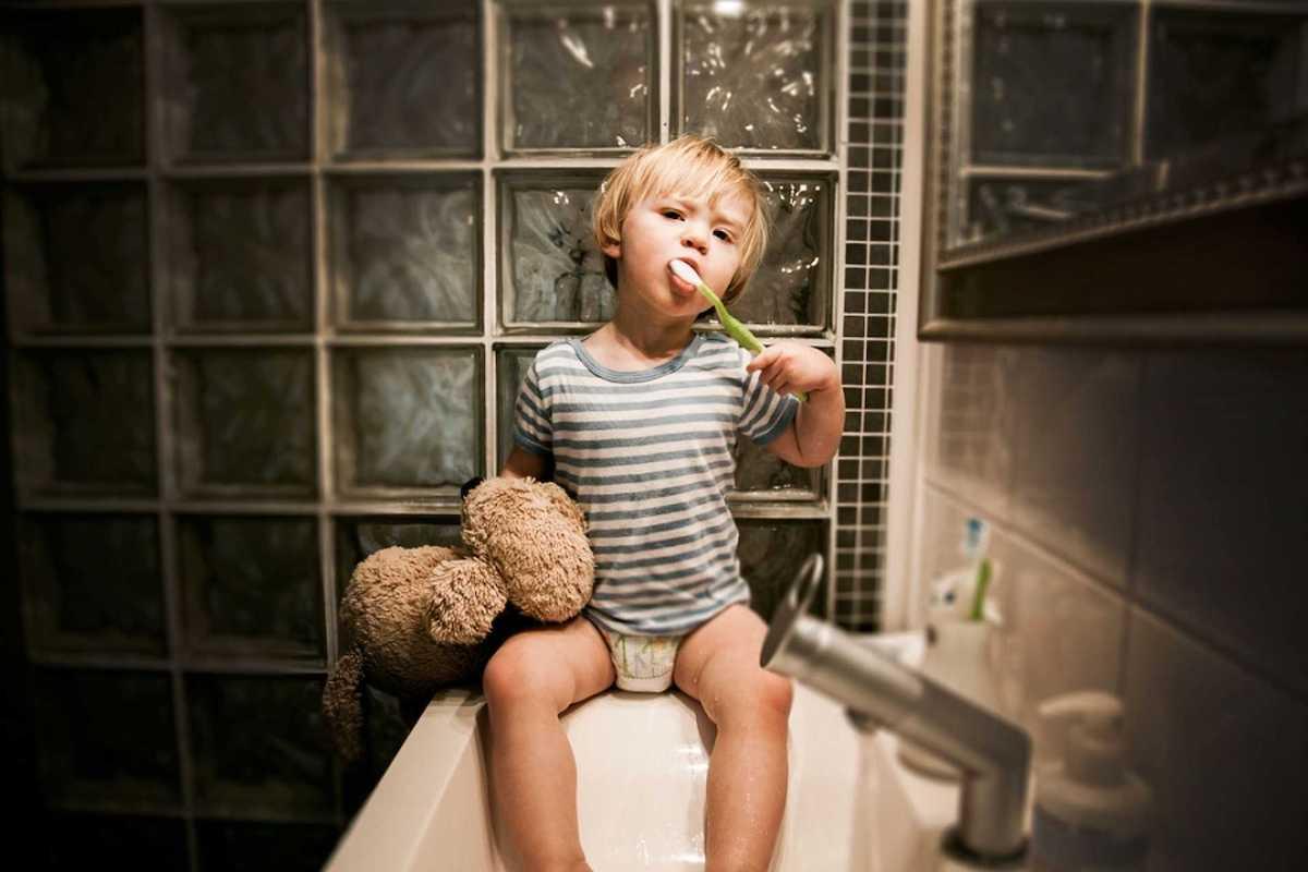 Како да му создадете рутина на вашето дете за миење на забите пред легнување?