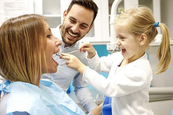 Како да го подготвите вашето дете за првата посета на стоматолог?